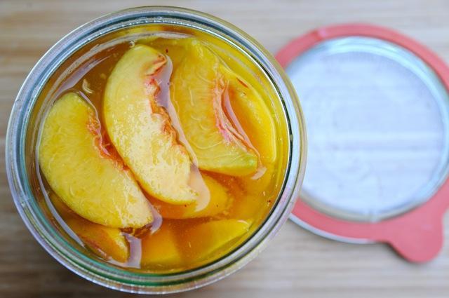 Perziken inmaken op suikersiroop