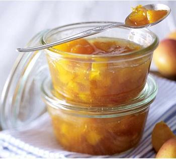 Abrikozenjam met amaretto / Abrikozenconfituur met amaretto