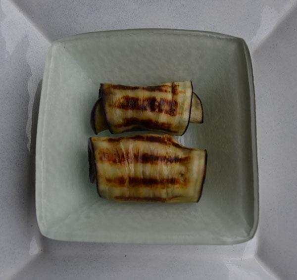 Auberginerolletjes met tonijnsalade