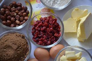 Taart met hazelnoten en cranberry's