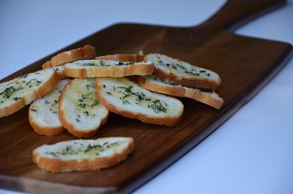 Stokbrood met rozemarijn en knoflook