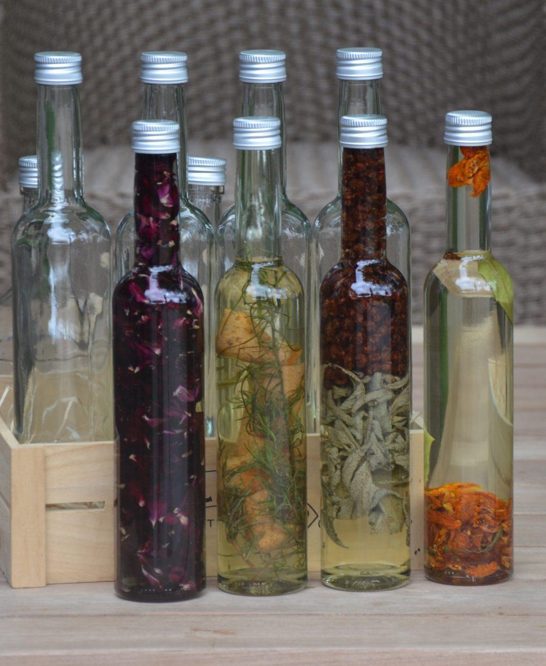 Kruiden, fruit en groenten in olie