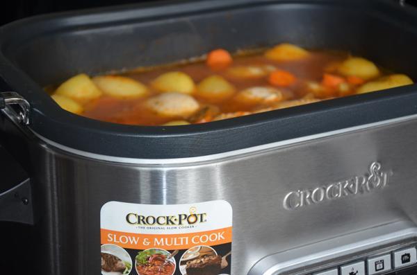 Kipcurry met aardappelen en chutney