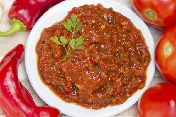 Paprika- tomatenrelish