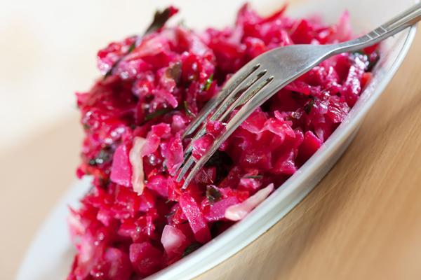 Chutney van rode bieten, witte kool en mierikswortel