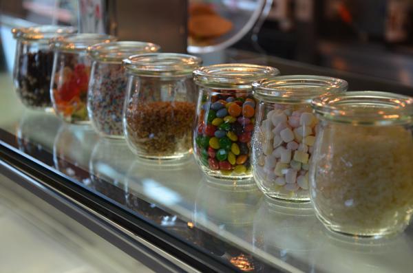 Toppings voor smoothies ijs en yoghurt in tulpglaasje van weck