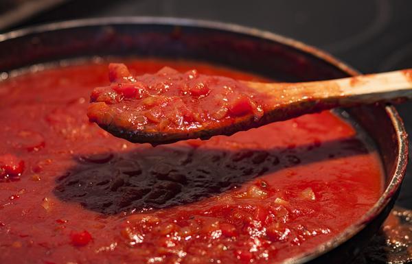 Tomatensaus met volop groenten